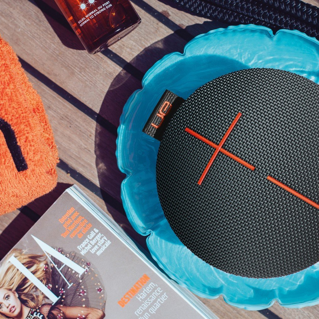 Ultimate Ears ROLL 2 Bluetooth Speaker: Ultraportable with Floatie, Waterproof and Shockproof - £64.
